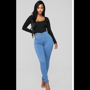 Fashion Nova Super High Waist Skinnies SZ 3 NWT